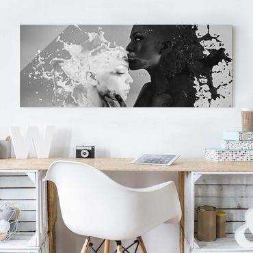 Glasbild - Milch & Kaffee Kuss schwarz weiß - Panorama Quer