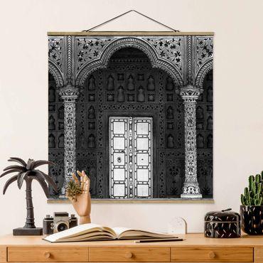 Stoffbild mit Posterleisten - White Door - Quadrat 1:1