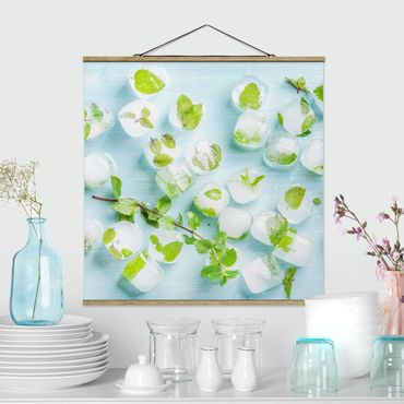 Stoffbild mit Posterleisten - Eiswürfel mit Minzblättern - Quadrat 1:1