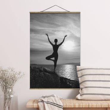 Stoffbild mit Posterleisten - Yoga schwarz weiß - Hochformat 3:2