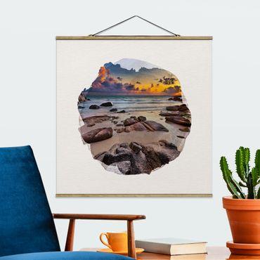 Stoffbild mit Posterleisten - Wasserfarben - Strand Sonnenaufgang in Thailand - Quadrat 1:1