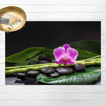 Vinyl-Teppich - Grüner Bambus mit Orchideenblüte - Querformat 3:2