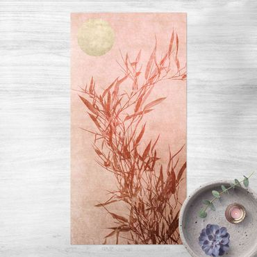 Vinyl-Teppich - Goldene Sonne mit Rosa Bambus - Hochformat 1:2