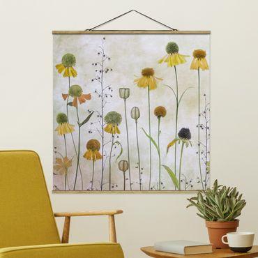 Stoffbild mit Posterleisten - Zarte Helenium Blüten - Quadrat 1:1