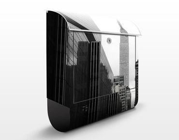 Briefkasten mit Zeitungsfach - Empire State Building - New York Schwarz Weiß