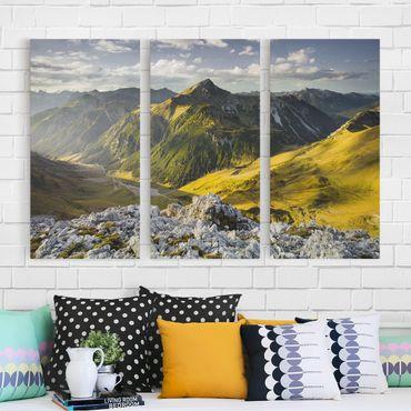 Leinwandbild 3-teilig - Berge und Tal der Lechtaler Alpen in Tirol - Hoch 1:2