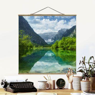 Stoffbild mit Posterleisten - Bergsee mit Spiegelung - Quadrat 1:1