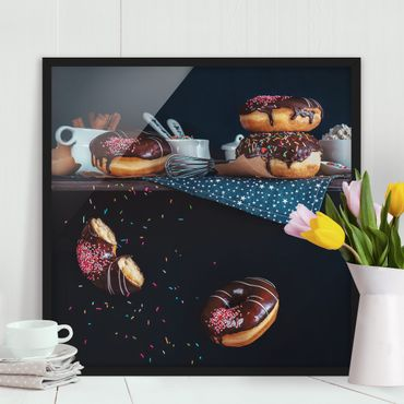 Bild mit Rahmen - Donuts vom Küchenregal - Quadrat 1:1