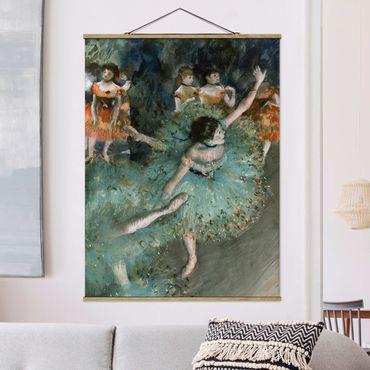 Stoffbild mit Posterleisten - Edgar Degas - Tänzerinnen in Grün - Hochformat 3:4