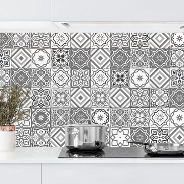 Küchenrückwand - Mediterranes Fliesenmuster Graustufen