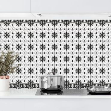 Küchenrückwand - Geometrischer Fliesenmix Kreuz Schwarz