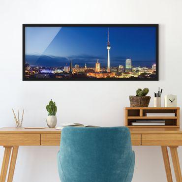 Bild mit Rahmen - Fernsehturm bei Nacht - Panorama Querformat