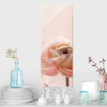 Glasbild - Rosa Blüte im Fokus - Hochformat