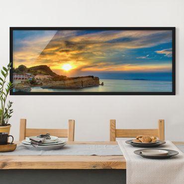 Bild mit Rahmen - Sonnenuntergang über Korfu - Panorama Querformat