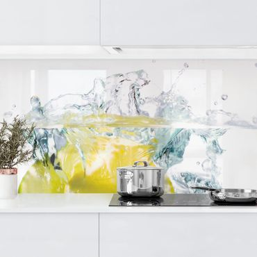 Küchenrückwand - Zitrone und Limette im Wasser