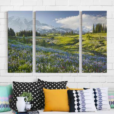 Leinwandbild 3-teilig - Bergwiese mit Blumen vor Mt. Rainier - Triptychon
