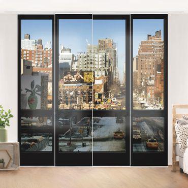 Schiebegardinen Set - Blick aus Fenster auf Straße in New York - Flächenvorhänge
