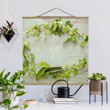 Stoffbild mit Posterleisten - Wildkräuter auf Holz - Quadrat 1:1