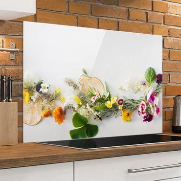 Spritzschutz Glas - Frische Kräuter mit Essblüten - Querformat - 3:2