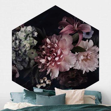 Hexagon Mustertapete selbstklebend - Blumen mit Nebel auf Schwarz