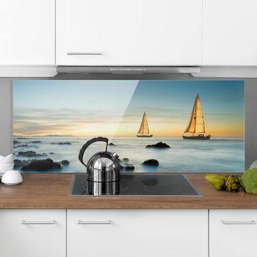 Spritzschutz Glas - Segelschiffe im Ozean - Panorama - 5:2