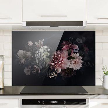 Spritzschutz Glas - Blumen mit Nebel auf Schwarz - Querformat - 3:2