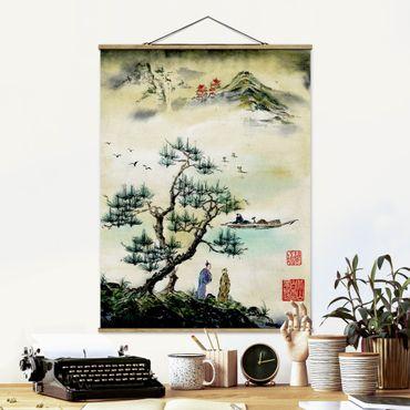 Stoffbild mit Posterleisten - Japanische Aquarell Zeichnung Kiefer und Bergdorf - Hochformat 3:4
