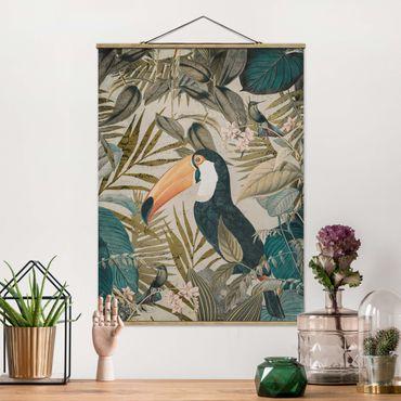Stoffbild mit Posterleisten - Vintage Collage - Tukan im Dschungel - Hochformat 3:4