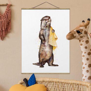 Stoffbild mit Posterleisten - Laura Graves - Illustration Otter mit Handtuch Malerei Weiß - Hochformat 3:4