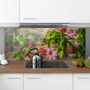 Spritzschutz Glas - Blumen Himbeeren Minze - Panorama - 5:2
