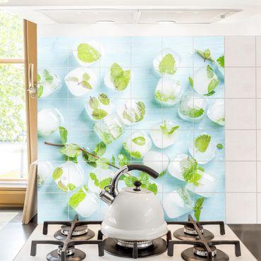 Fliesenbild - Eiswürfel mit Minzblättern
