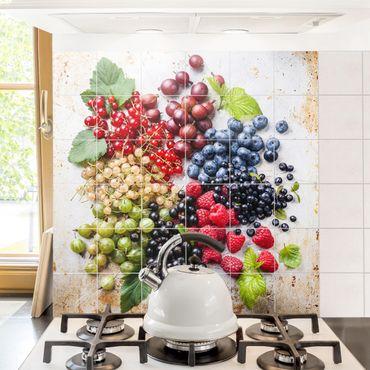 Fliesenbild - Mischung aus Beeren auf Metall