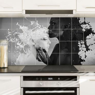 Fliesenbild - Milch & Kaffee Kuss schwarz weiß
