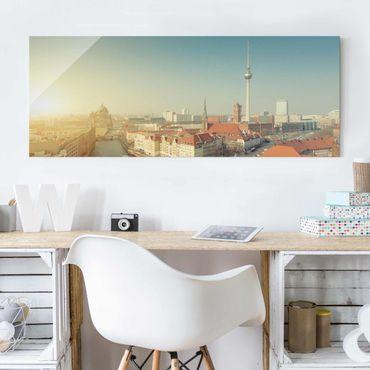 Glasbild - Berlin am Morgen - Panorama Quer