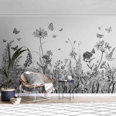 Metallic Tapete  - Große Blumen mit Schmetterlingen in Schwarz