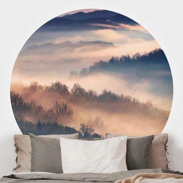 Runde Tapete selbstklebend - Nebel bei Sonnenuntergang