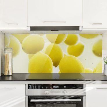 Spritzschutz Glas - Zitronen im Wasser - Panorama Quer
