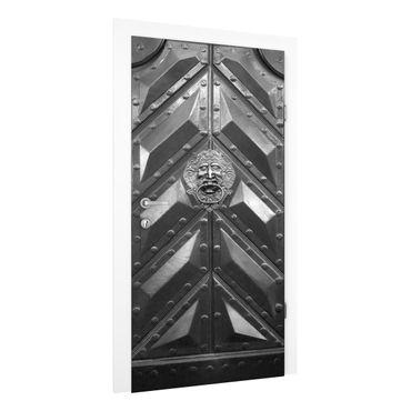 Türtapete - Alte Tür aus Stahl mit Löwenkopf Türklopfer