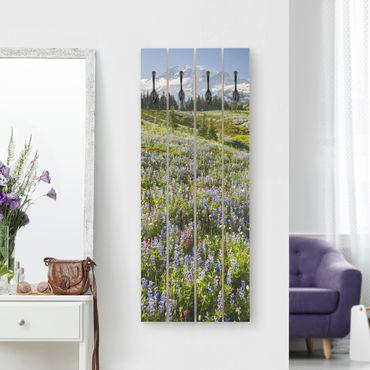Wandgarderobe Holz - Bergwiese mit Blumen vor Mt. Rainier