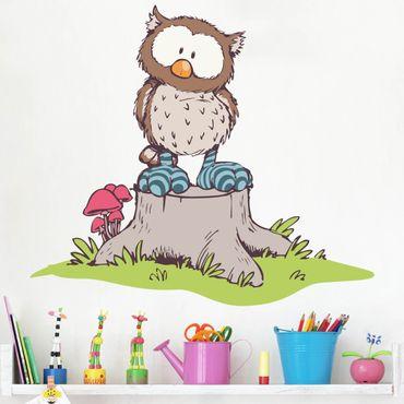 Wandtattoo Oscar Owl auf Baumstamm