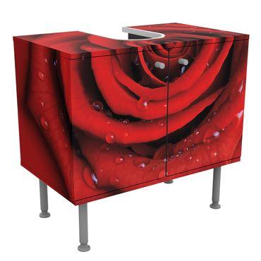Rosen Waschbeckenunterschrank - Rote Rose mit Wassertropfen - Blumenbild Badschrank Rot