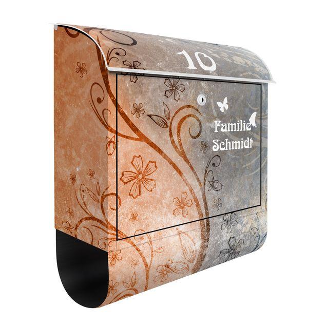 Briefkasten mit eigenem Text & Hausnummer - Dignity - Wandbriefkasten Grau