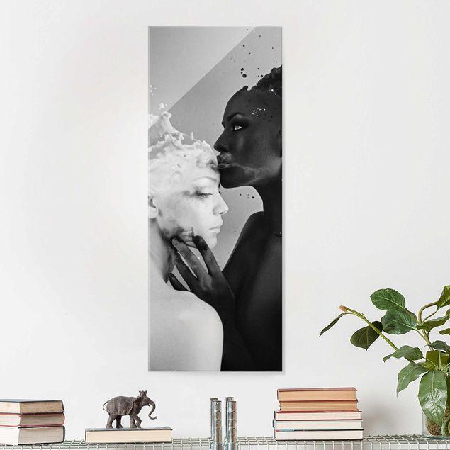 Glasbild - Milch & Kaffee Kuss schwarz weiß - Panorama Hoch