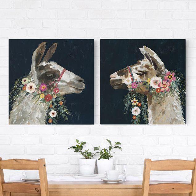 Leinwandbild 2-teilig - Lama mit Blumenschmuck Set I - Quadrate 1:1