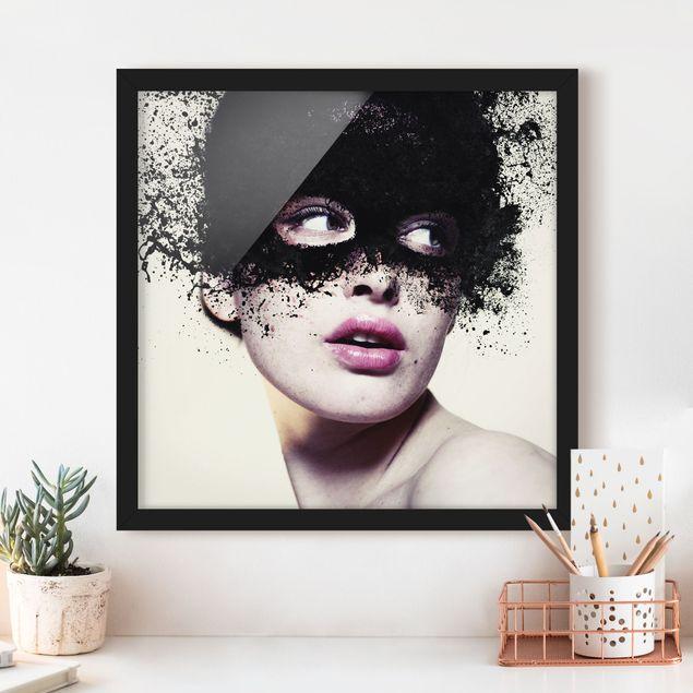Bild mit Rahmen - Das Mädchen mit der schwarzen Maske - Quadrat 1:1