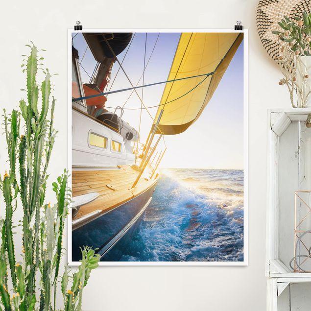 Poster - Segelboot auf blauem Meer bei Sonnenschein - Hochformat 3:4