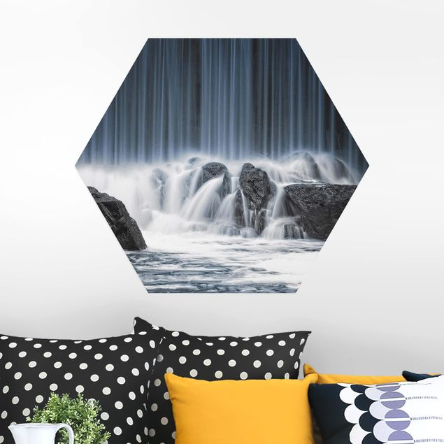 Hexagon Bild Alu-Dibond - Wasserfall in Finnland