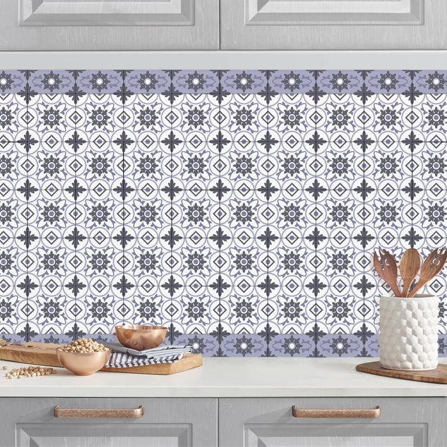 Küchenrückwand - Geometrischer Fliesenmix Blume Violett