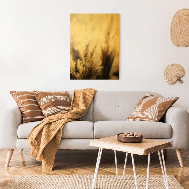 Leinwandbild Gold - Pampasgras im Schatten - Hochformat 3:4