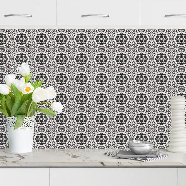 Küchenrückwand - Florale Fliesen schwarz-weiß